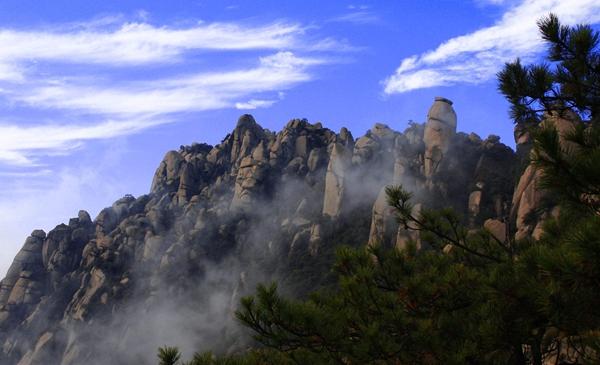 灵山风景名胜区管委会通过强化领导,健全组织,完善制度,创新机制,狠抓