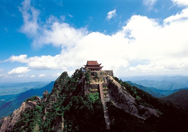 九华山风景区总面积120平方公里,由10大景区组成.