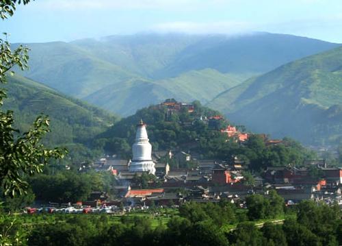 奇峰 奇景 奇观     五台山风景名胜区位于山西省忻州市