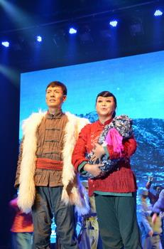 太行奶娘演员_大型左权花戏歌舞剧《太行奶娘》北京国家大剧院展演_今日中国