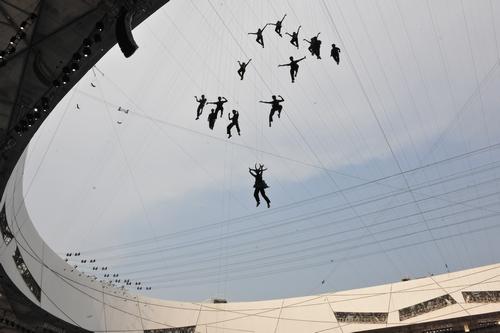 今年的威亚表演,仍然由河南少林塔沟武术学校的